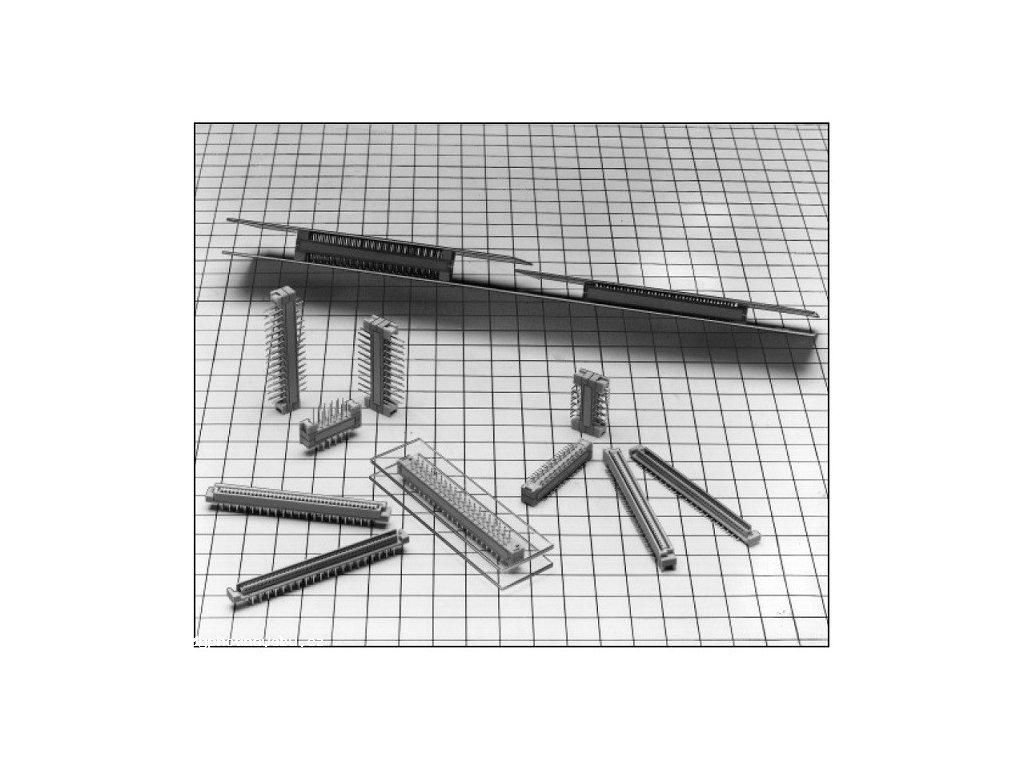 75ks Konektory na vodorovné a svislé propojování desek FX4B2-60S-1.27SV(71) (Hirose Connector)