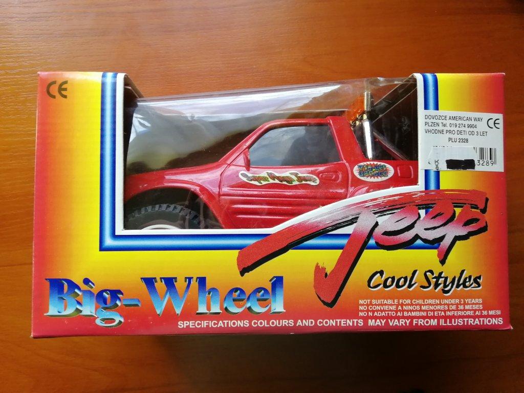 Jeep s velkými koly červený (HR2.1)