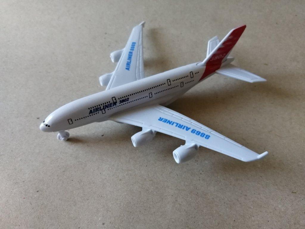Dopravní letadlo - kov (HR2.5)