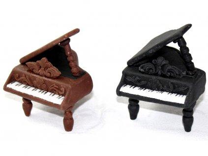 Modelovaná figúrka klavír