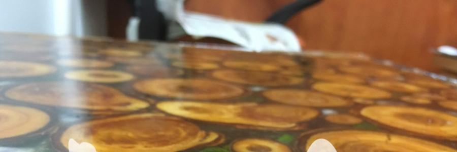 Nápad - konferenční stůl dřevo v pryskyřici