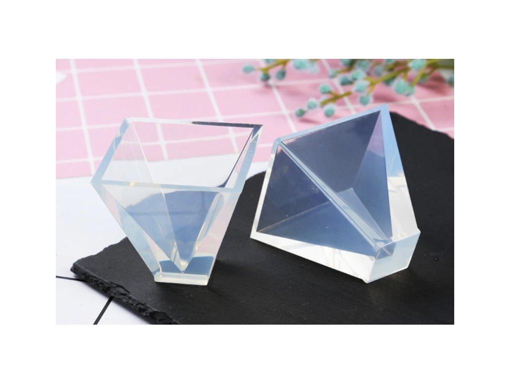 silikonova forma pyramida 10