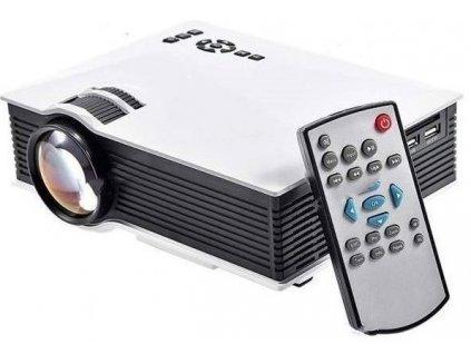 Projektor s vysokým rozlišením a dálkovým ovladačem CZ