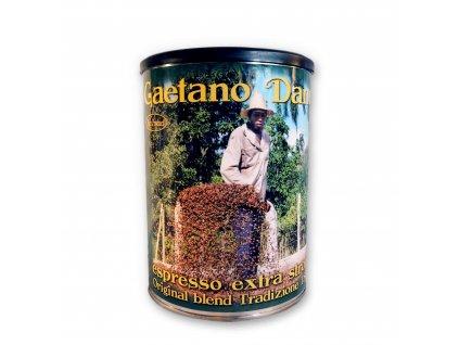Kvalitní čerstvě pražená zrnková káva Gaetano Daneli v dárkovém balení