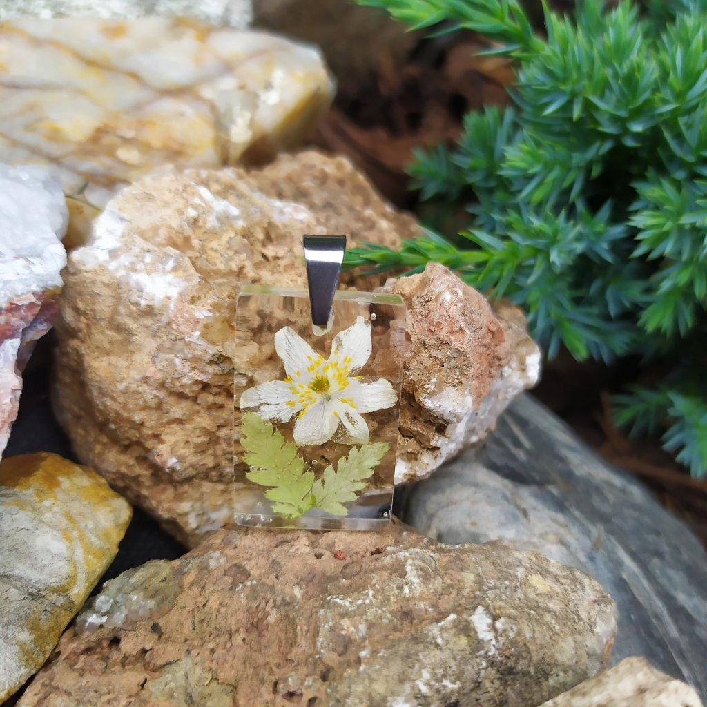 Přívěsek sasanka a kapradí ocel OD220004 Obduro Jewellery