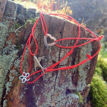 snurkovy cerveny naramek privesek srdce vlastovka kytka obduro jewellery