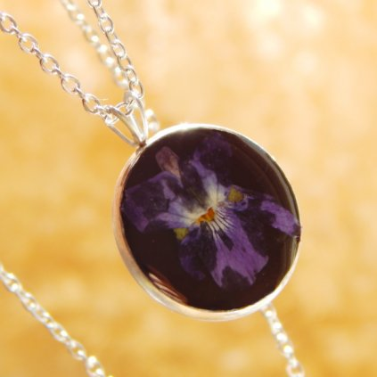 nahrdelnik fialka violka prave kvety obduro jewellery
