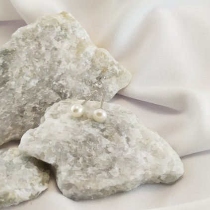 nausnice perly vpichovaci pecky bile sladkovodni obduro jewellery