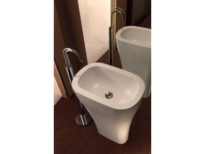 AQUATECH keramické umyvadlo volně stojící do prostoru 60x85x40cm