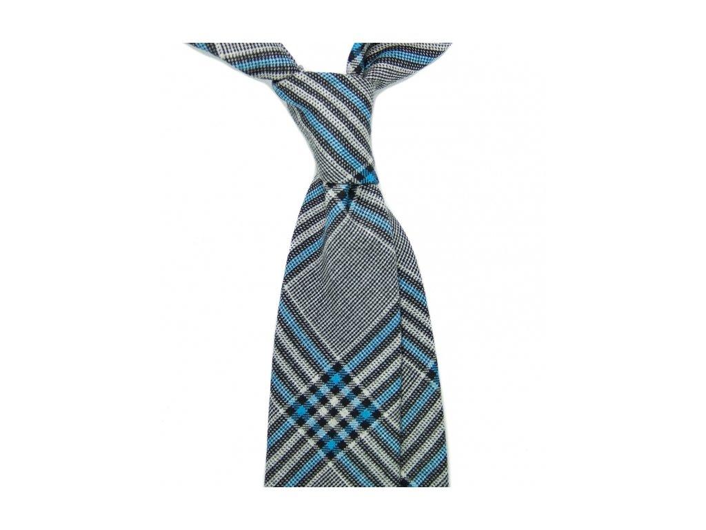 Šedá kravata s károvaným vzorem
