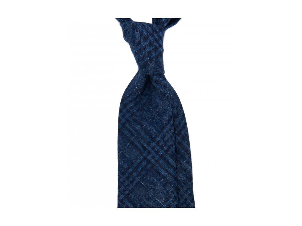 Tmavě modrá kravata s károvaným vzorem