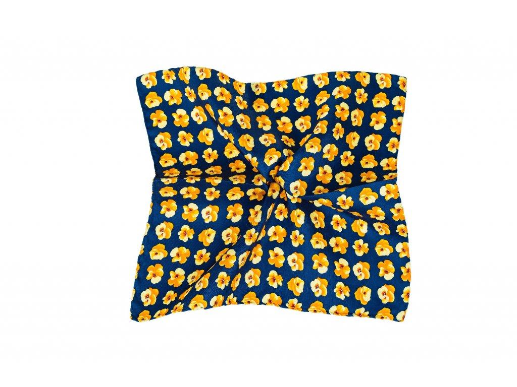 Tmavě modrý kapesníček se žlutými květy