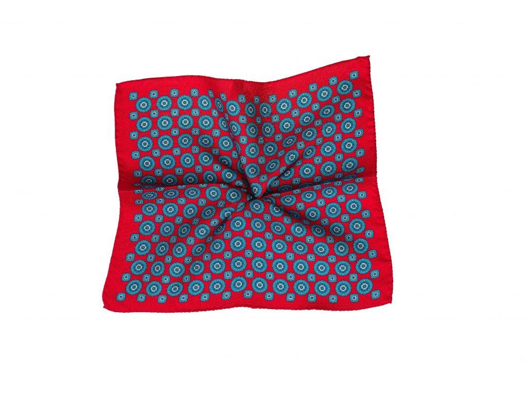 Červený kapesníček s modrým ornamenten