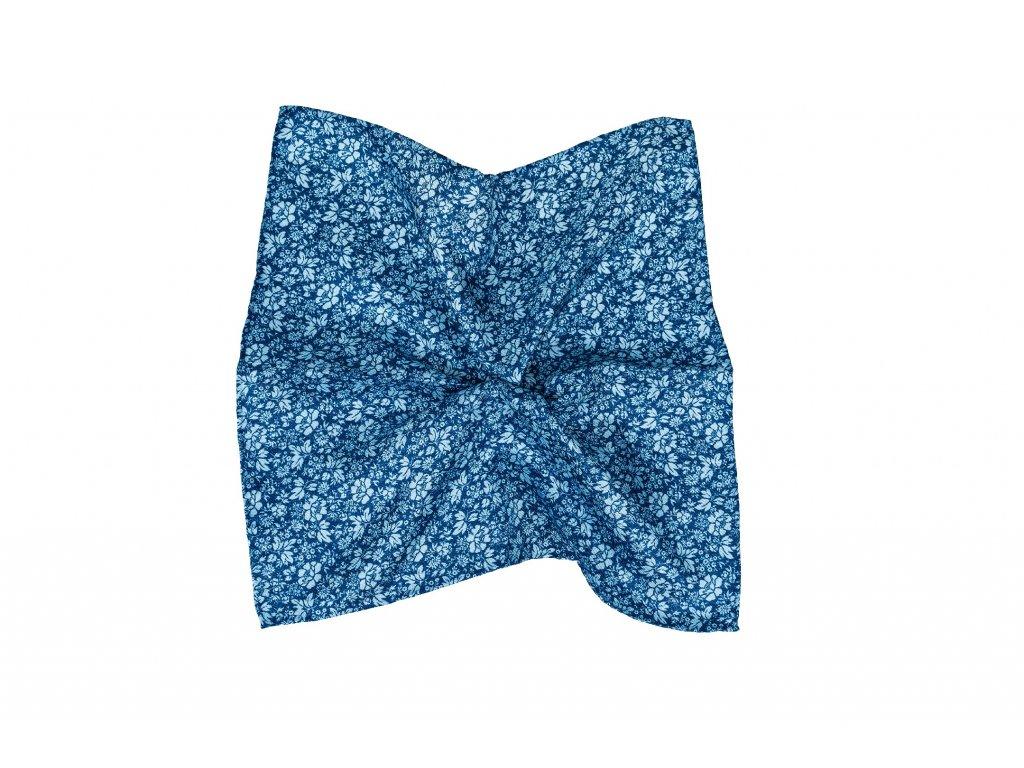 Modrý kapesníček s modrými květy