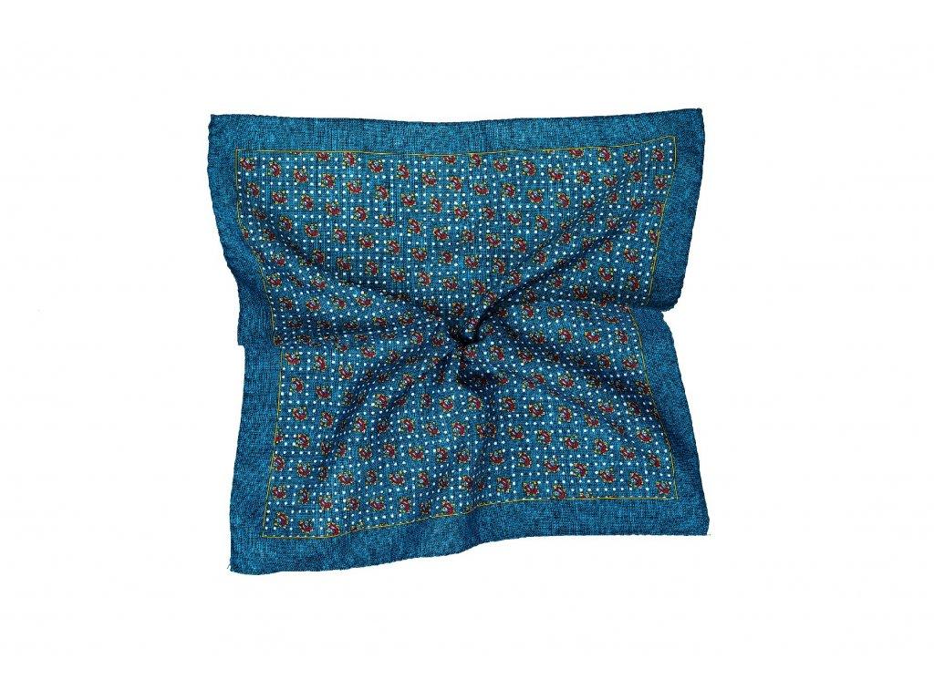 Modrý kapesníček s červeným vzorem a okrajem