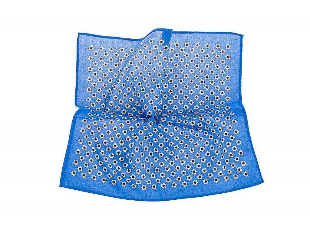 Modrý kapesníček s květy