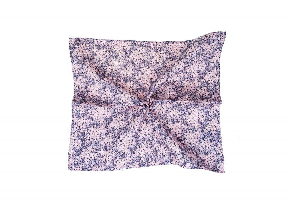 Růžový kapesníček s květinovou potlačí