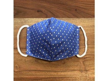 Tvarovaná bavlněná rouška modrá s šedými puntíky