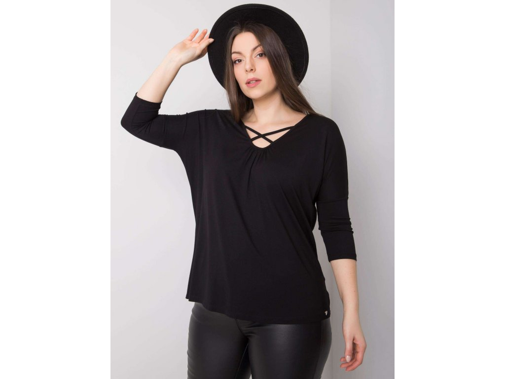 pol pl Czarna bluzka plus size z wiskozy Mariel 361503 1