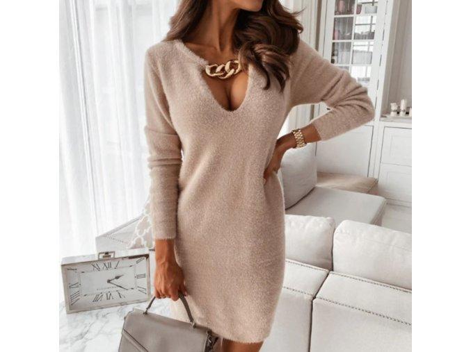 Dámské krásné pletené šaty zdobené řetízkem u krku - vhodné na zimu