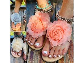 Letní sandálové žabky zdobené velkou kytku a korálky