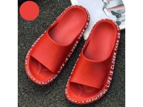 Dámské letní pohodlné pantofle v černé a červené barvě zdobené napísy