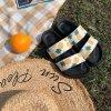 Dámské letní pantofle s potiskem ananasů