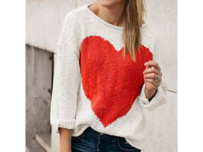 Huňatý krémový sveter so srdcom