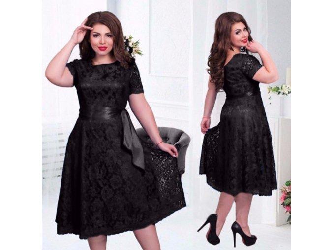 Dámske krajkované šaty s plus size veľkosťou