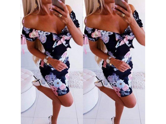 Čierne kvetované šaty s výstrihom