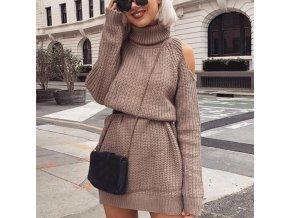 Štýlové pletené šaty s prestrihmi