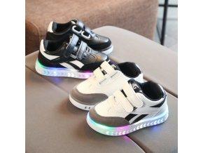 Detské športové svietiace topánky