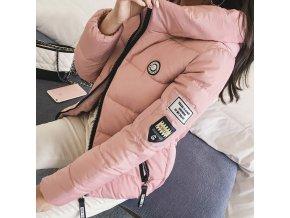 Dámska moderná zimná bunda s nášivkami