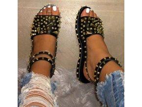 Dámske sandále zdobené cvočkami - až 43