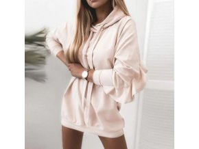 TIP - módne mikinové šaty vo svetlo ružovej farbe s volánom a kapucňou