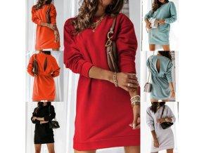 Dámske mikinové šaty s výkrojom na chrbte z príjemného materiálu