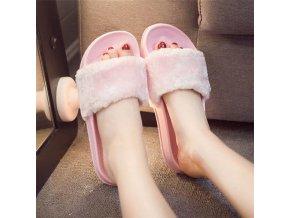 Pohodlné huňaté dámske papuče