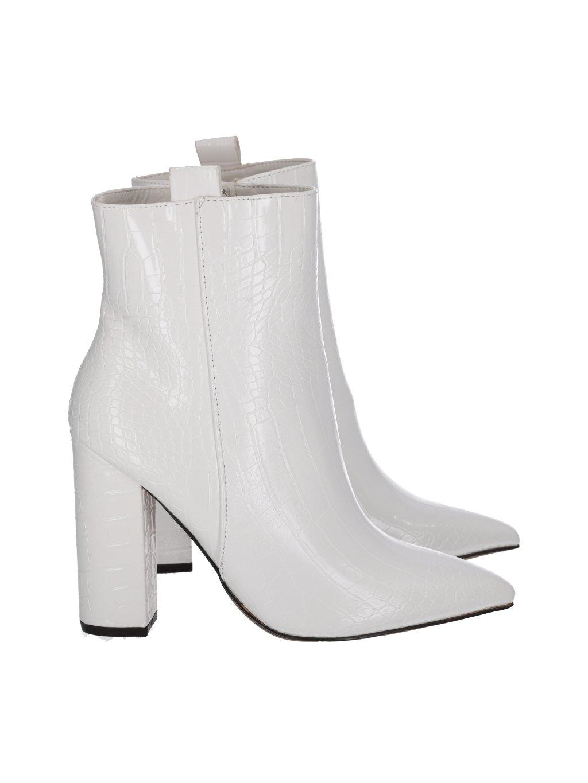 biele kotnikove kozenkove damske cizmy na hrubom opatku K218white 1