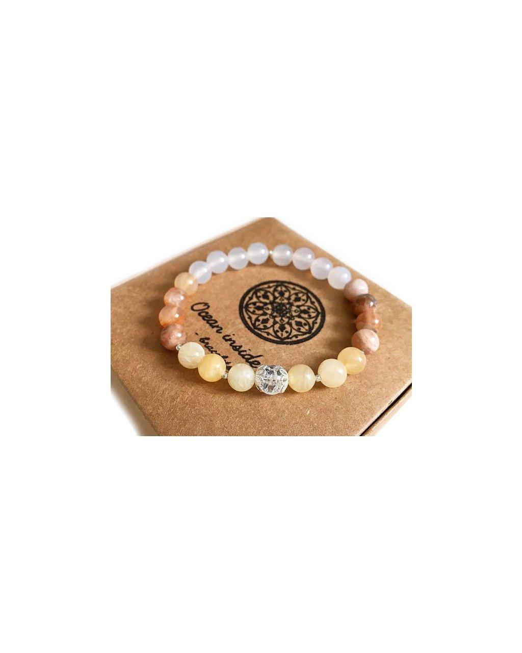 Náramek z minerálu sluneční kámen a blištivá perlička praskaného křišťálu