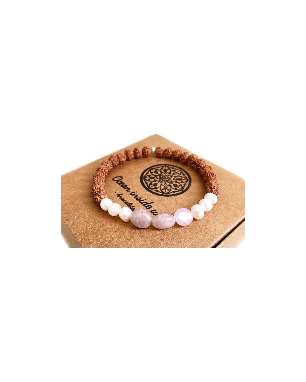 Náramek z minerálů rustikální růženín s říčními perlami a rudrakshou