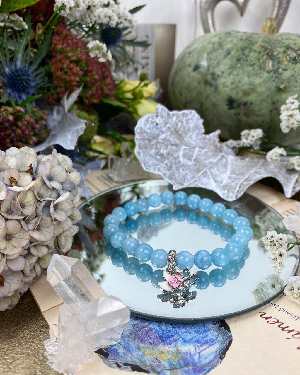 Náramek z minerálu krásný akvamarín a lotos