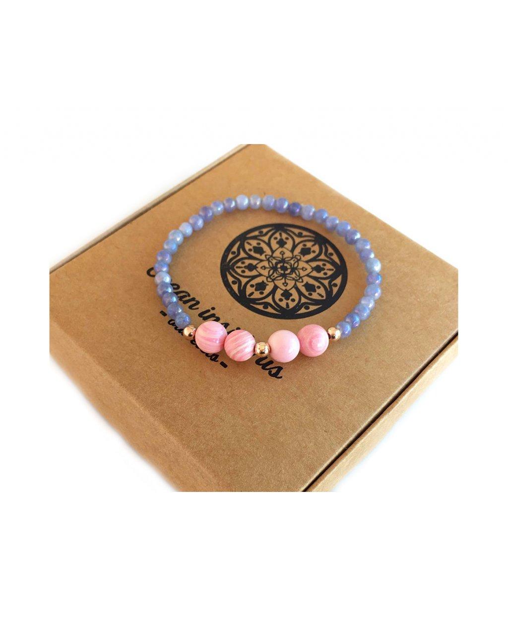 Náramek z minerálu angelit modrý leštěný a růžové korálky