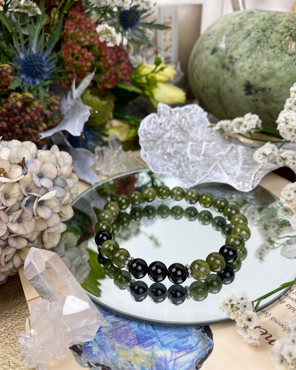 Náramek z minerálů zelený jadeit a onyx