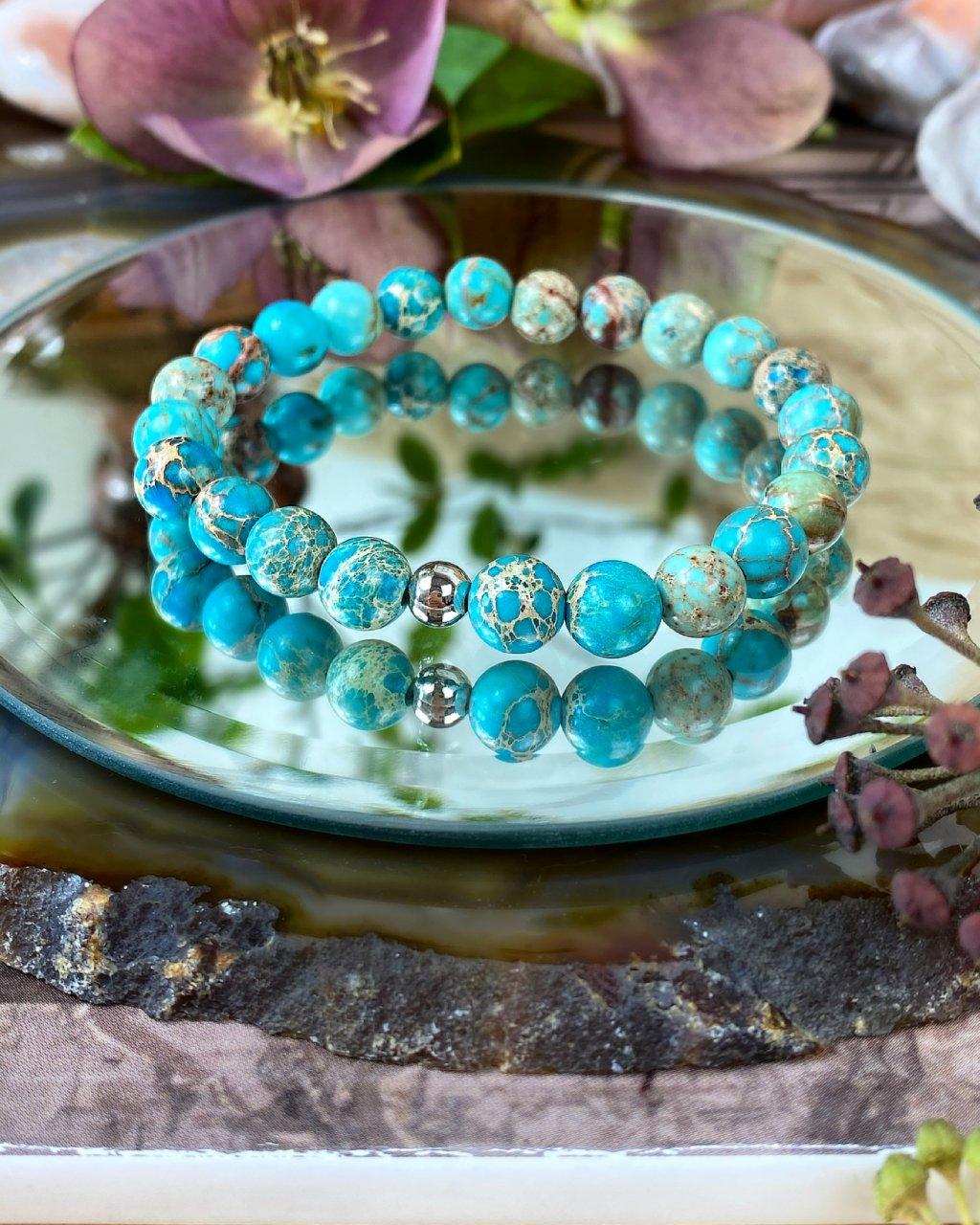 Náramek z minerálu achát mořský modrý a perlička
