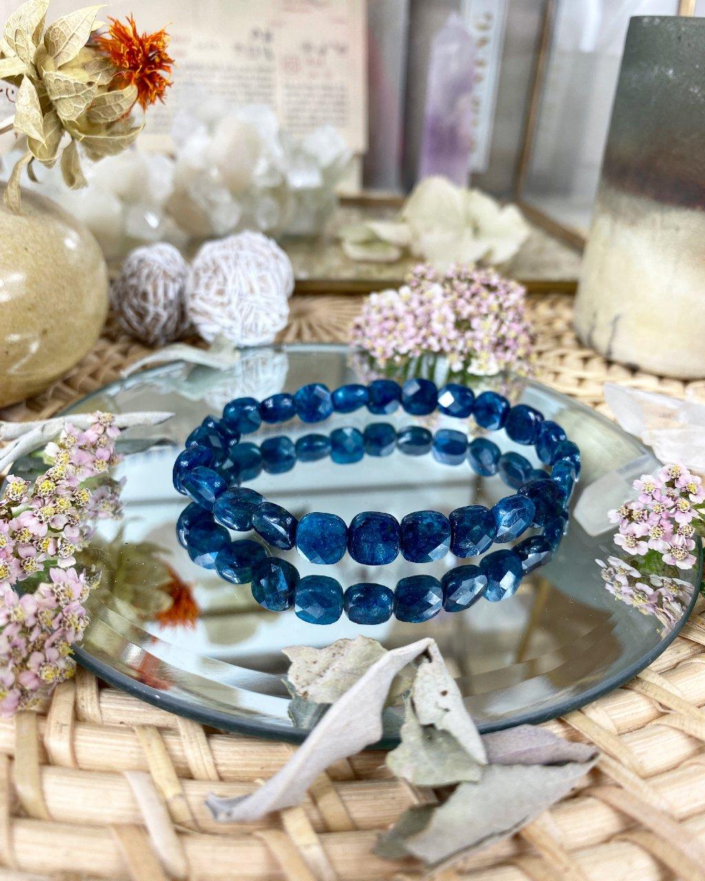 Luxusní náramek z minerálu modrý apatit fazetovaný AAA kvalita Brazílie