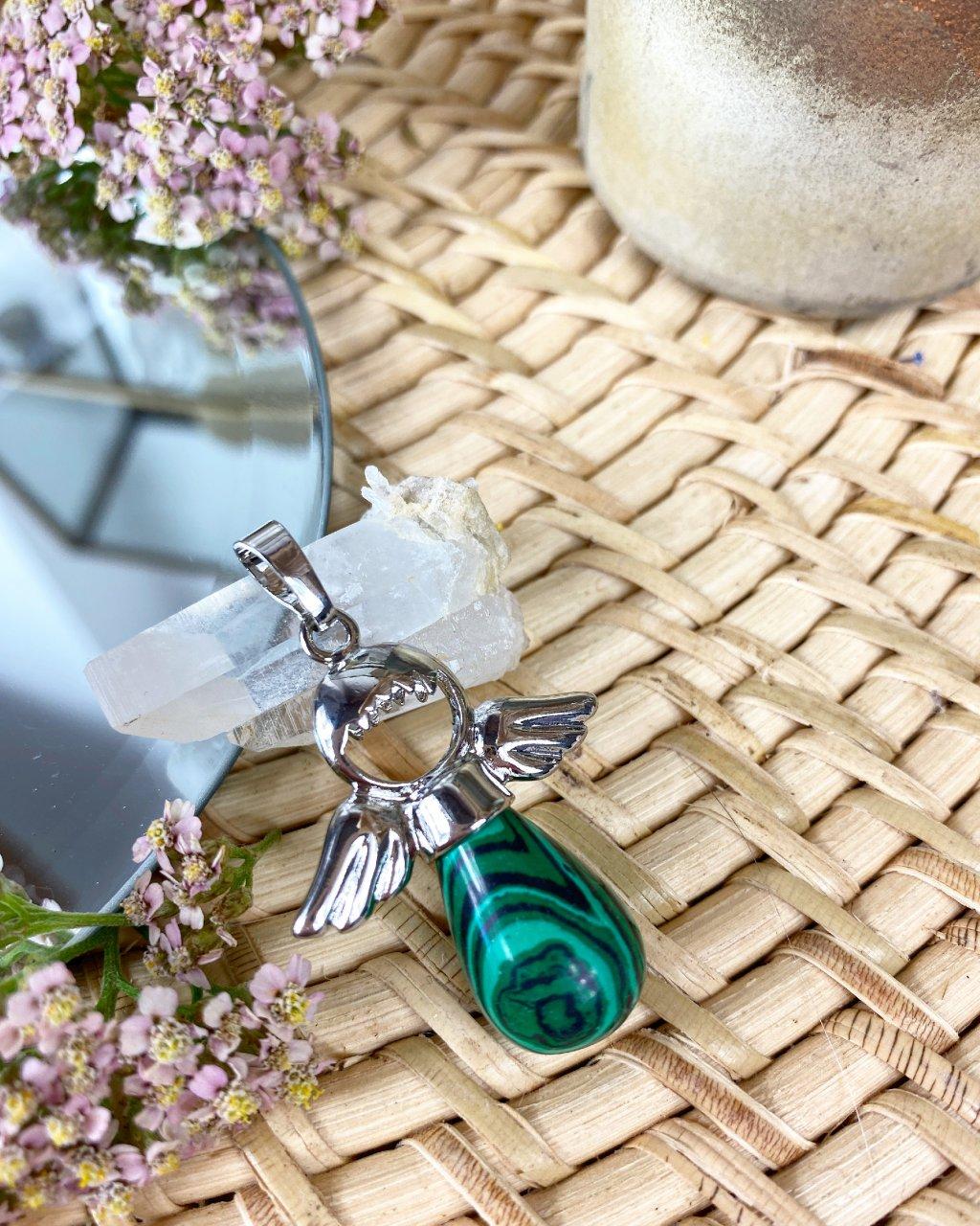 Přívěšek andílek na klíče pro štěstí z malachitu