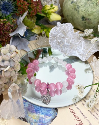 Náramek z minerálů růžový opál, mléčný křišťál a srdce