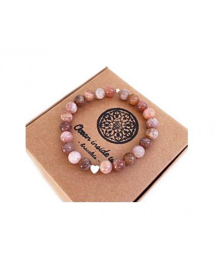 Náramek z korálků slunečního kamene a srdíčko