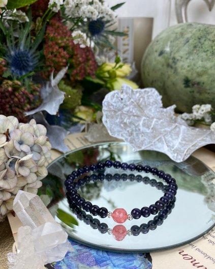 Náramek z minerálu lapis lazuli ozdoben kuličkou