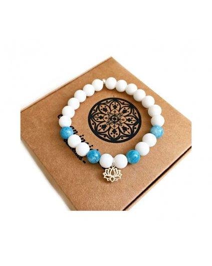 Náramek z minerálních kamenů křemen, krásný akvamarín a květ lotosu